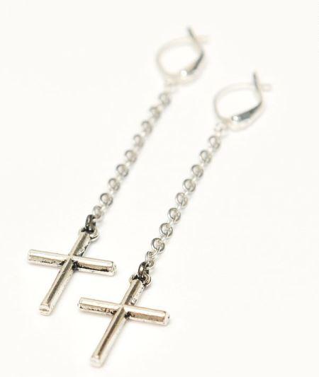 Серьги в виде крестов символика украшений