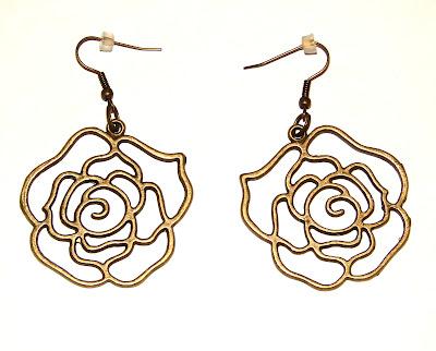 Серьги в виде роз символика украшений