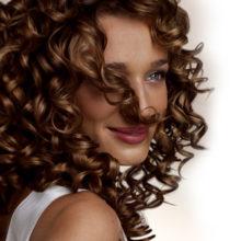 Полезные советы: как ухаживать за кудрявыми волосами