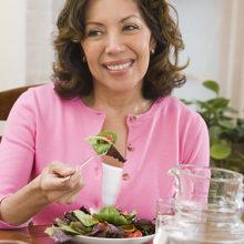 Секреты женского здоровья: как научиться меньше есть