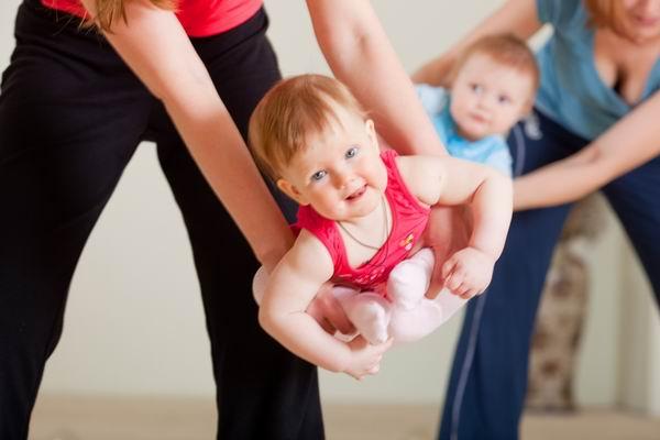 беби йога для мам с малышами | our-woman.ru