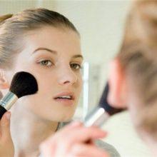 Полезные советы для женщин: нужна ли нам пудра и как её наносить