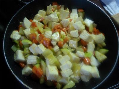 рецепты вегетарианских блюд гречка с овощами и сыром | our-woman.ru