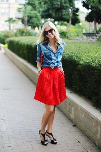 красная юбочка с джинсовой рубашкой