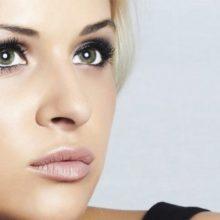 Выполняем пошагово макияж для зеленых глаз —  фото вечерних и дневных вариантов