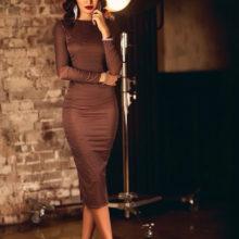 Стильное  коричневое платье для любого возраста  обзор с 50 фото — С чем носить, какие выбрать аксессуары?