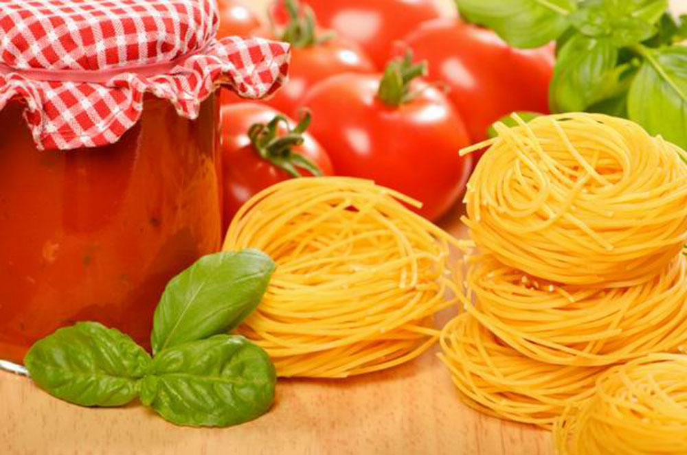 recepty-vegetarianskix-blyud-spagetti-s-tomatnym-sousom | our-woman.ru
